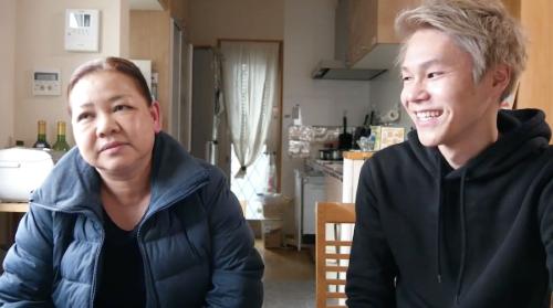 Scène de coming out entre d'un fils à sa mère issue du film Coming out
